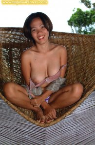 Amateur nude girls saggy boobs