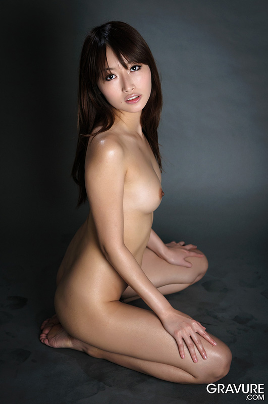 image Japanese av model gets cum on lips at the end