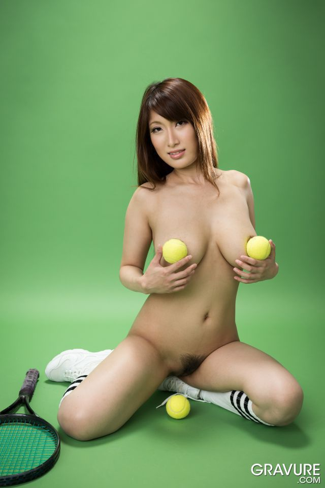 Tennis players with big tits