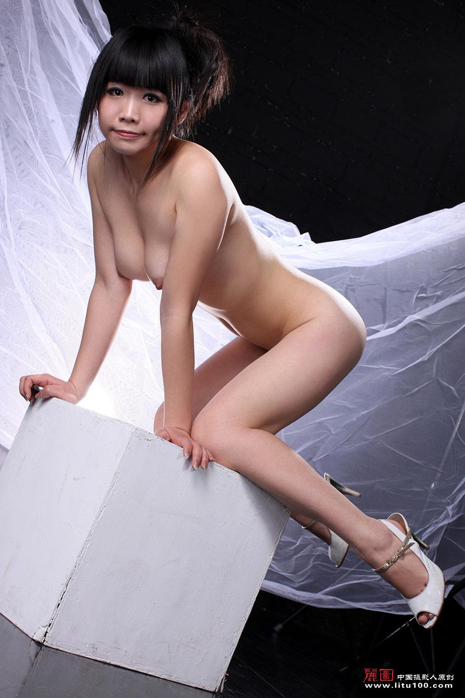 Hong kong artist nude porno image