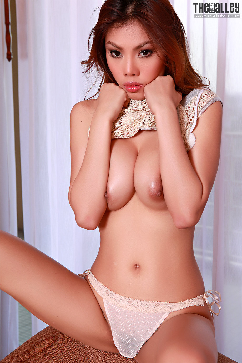 Tight Thailand model Sonja Fong with long hair and perfect ...
