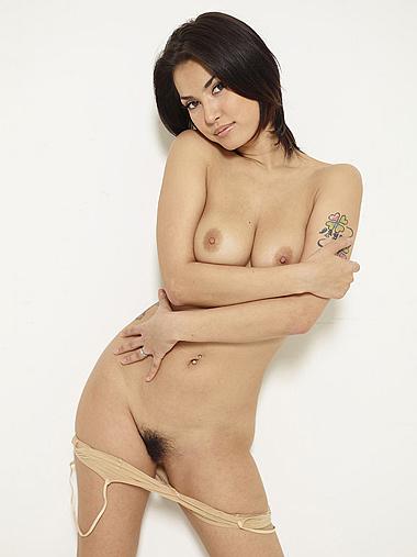 Nude Maria