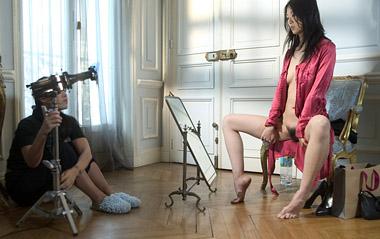 nude photo session in Paris