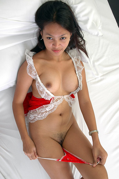 Filipina sexual gift to her man